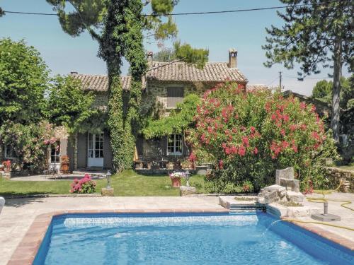 Holiday Home Floralie : Guest accommodation near Saint-Hippolyte-le-Graveyron