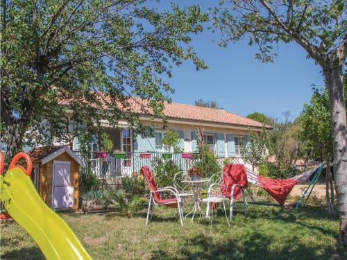 Holiday home Mornas 15 with Outdoor Swimmingpool : Guest accommodation near Saint-Étienne-des-Sorts