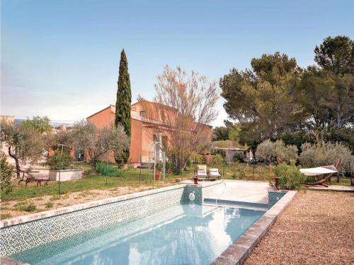 Holiday home Chemin de Champeau H-842 : Guest accommodation near Mérindol