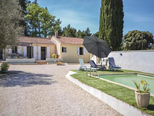 Holiday home Vaqueyras 13 with Outdoor Swimmingpool : Guest accommodation near Violès
