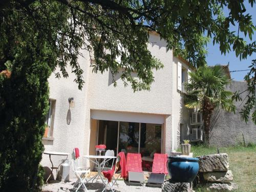 Holiday home Visan GH-930 : Guest accommodation near Visan