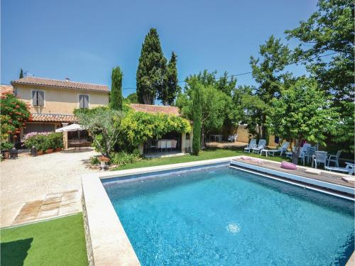 Holiday home Chemin des Pins : Guest accommodation near Loriol-du-Comtat
