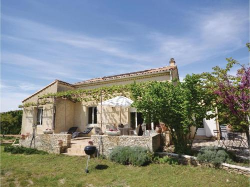 Holiday Home Sandrine - 01 : Guest accommodation near Sarrians