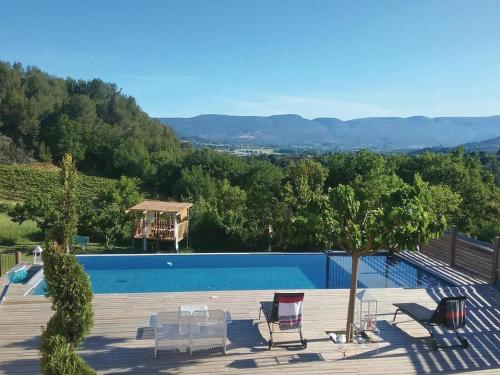 Holiday Home Apt with Fireplace I : Guest accommodation near Buoux