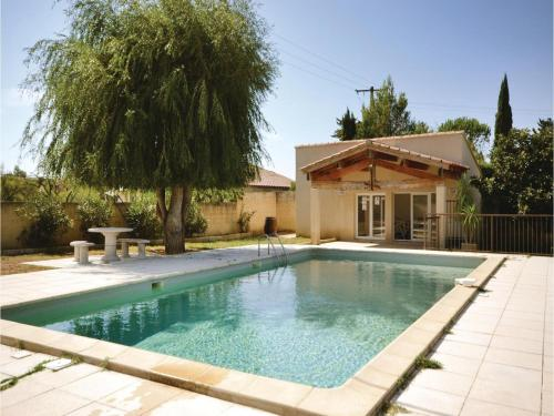 Holiday Home Sarrians with Fireplace II : Guest accommodation near Loriol-du-Comtat