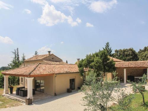 Four-Bedroom Holiday Home in Velleron : Guest accommodation near Velleron