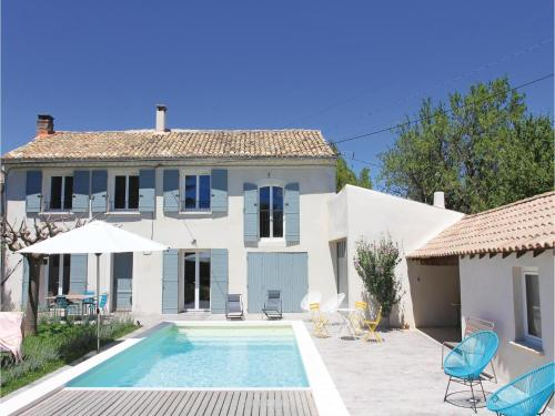 Three-Bedroom Holiday Home in Serignan du Comtat : Guest accommodation near Sérignan-du-Comtat