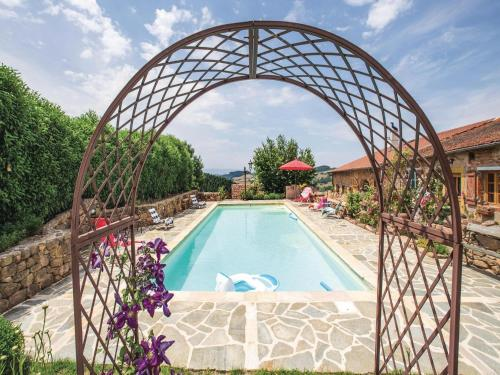 Holiday home Mardore 33 with Outdoor Swimmingpool : Guest accommodation near Belmont-de-la-Loire