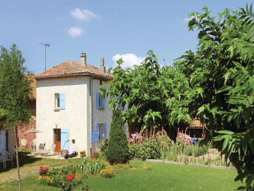 Three-Bedroom Holiday Home in Alboussiere : Guest accommodation near Alboussière