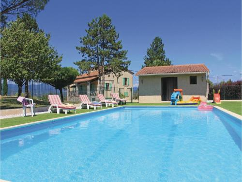 Three-Bedroom Holiday Home in Beaulieu : Guest accommodation near Saint-Paul-le-Jeune