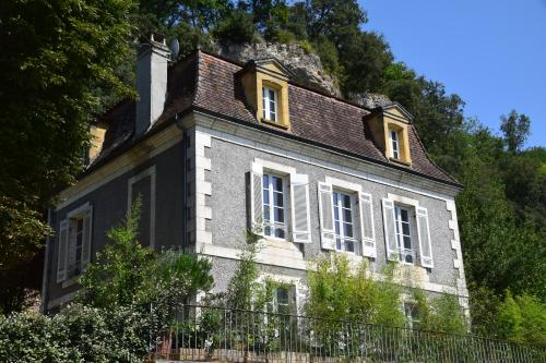 La Maison Carree : Independance & Autonomie : Guest accommodation near Tursac