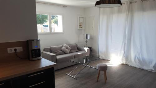 Appartement LES ACACIAS entre Biarritz et Hossegor : Apartment near Labenne
