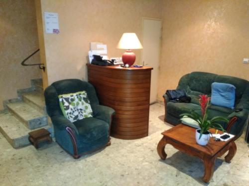 Hotel Lou Cantou : Hotel near Saint-Bonnet-de-Chirac