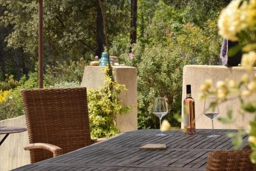 maison sur la coline : Guest accommodation near Cotignac