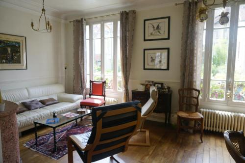 Maison Eliane Versailles : Guest accommodation near Chaville