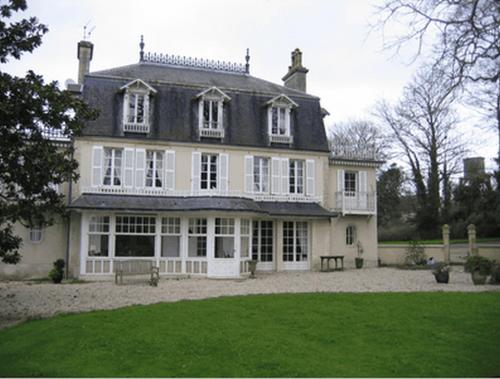 Chambres d'Hôtes Le Petit Sully : Bed and Breakfast near Barbeville