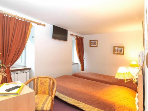 Logis Auberge de l'Isard : Hotel near Fougaron