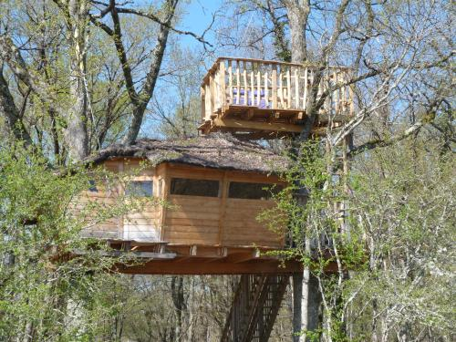 Les Cabanes de Chanteclair : Guest accommodation near Vigoux
