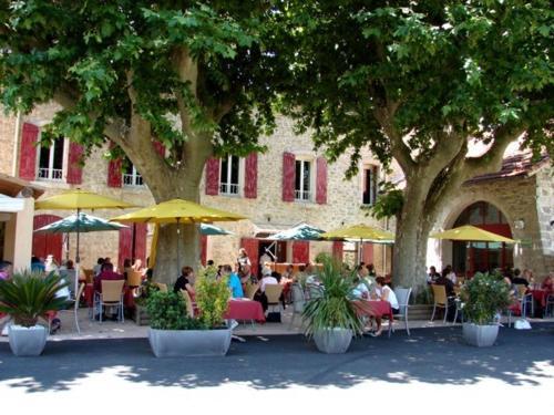 Auberge de Bonpas Logis de France : Hotel near Verquières