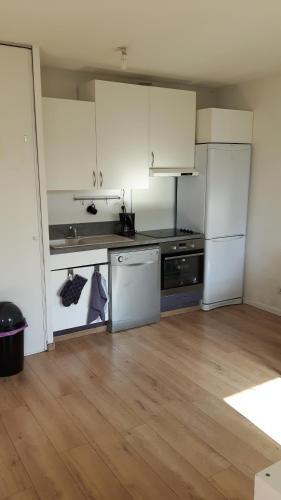 Appartement Calme et lumineux : Apartment near Méricourt