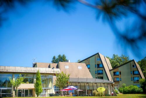 Le Domaine des Puys : Resort near Tortebesse
