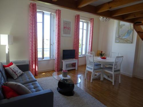 Magnifique Appartement Sur le Vieux Port La Rochelle : Apartment near La Rochelle