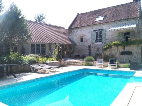 Relais de Poste des Templiers : Guest accommodation near Chassemy