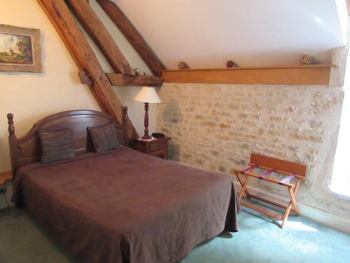 Auberge du Pot d'Etain : Hotel near Sarry