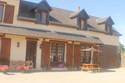 Walnut House : Bed and Breakfast near Brouains