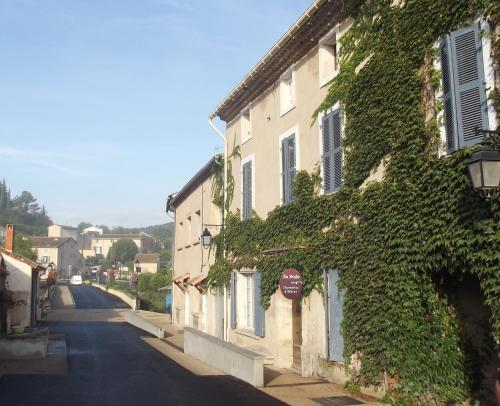 Au Brabo : Guest accommodation near Villes-sur-Auzon