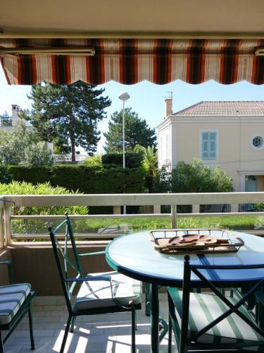 Appartement Cimiez, proche centre 2 pièces : Apartment near Saint-André-de-la-Roche