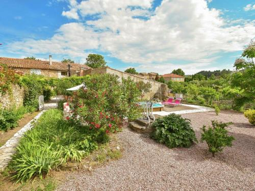 Holiday home Villa - Felines Minervois : Guest accommodation near Siran