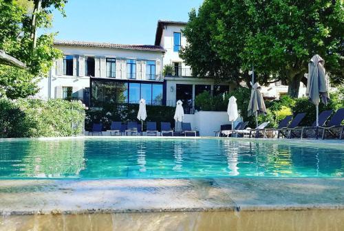 Les Lodges Sainte-Victoire & Spa : Hotel near Saint-Marc-Jaumegarde