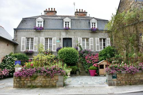 Chambres d'Hôtes l'Hermine : Bed and Breakfast near Romagné