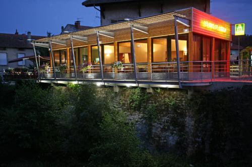 Logis Des Rives De L'Arzon : Hotel near Roche-en-Régnier