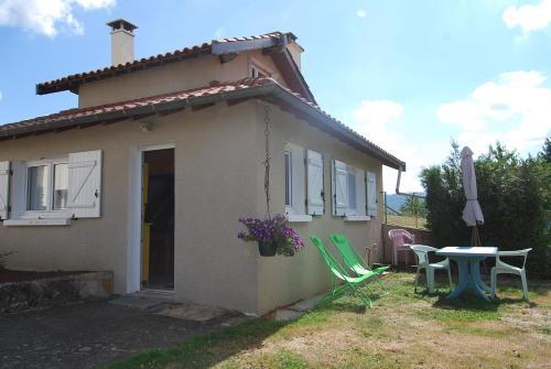 La Petite Maison : Guest accommodation near Saint-Germain-sur-l'Arbresle