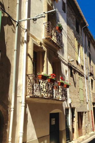 Charming Village House - Pézenas : Guest accommodation near Nézignan-l'Évêque