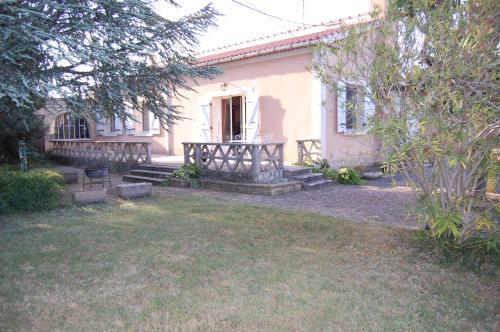 L'Oustau de MaLo : Guest accommodation near Rochegude