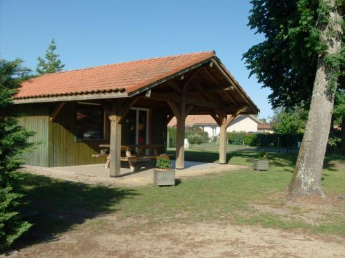 chalet el arenal : Guest accommodation near Moustey