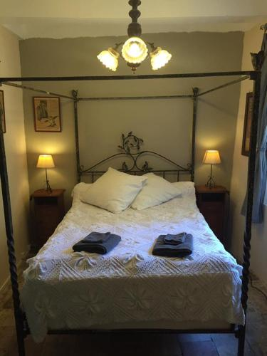 Chez Amis B&B : Guest accommodation near Roquebrun