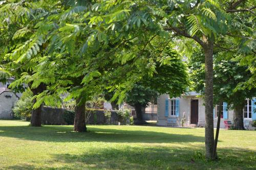 L'Estancat : Bed and Breakfast near Assat