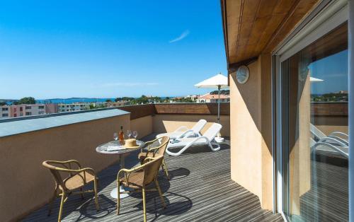 Best Western Plus Soleil et Jardin : Hotel near Sanary-sur-Mer