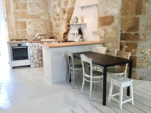 La petite maison d'à côté, au n°11 : Guest accommodation near Faverolles