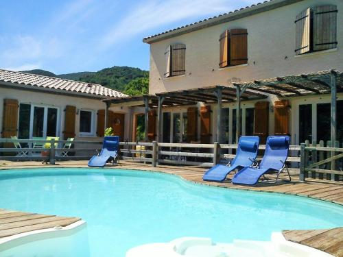 Villa piscine nature et mer : Guest accommodation near Laroque-de-Fa