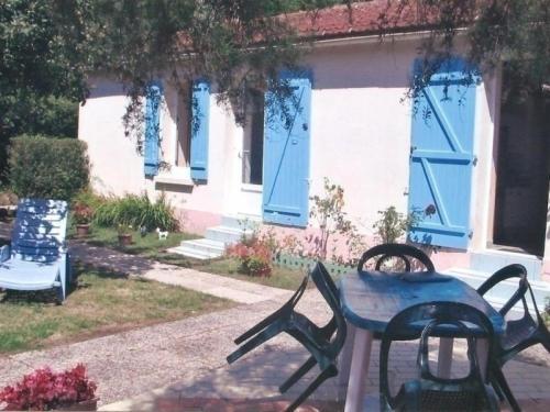 House La basse lande 1 : Guest accommodation near Trignac