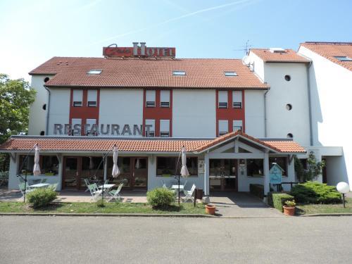 Hotel The Originals Cris Lyon Sud (ex Inter-Hotel) : Hotel near Vénissieux