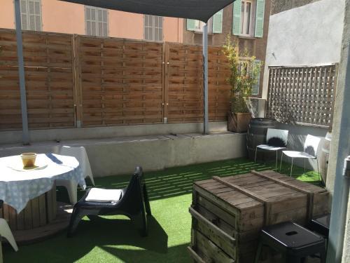 Le Mourillon Appartement -Terrasse : Apartment near Saint-Mandrier-sur-Mer