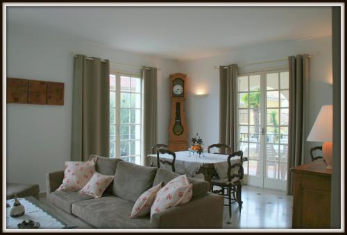 Le Clos des Oliviers : Guest accommodation near Saint-Laurent-du-Var