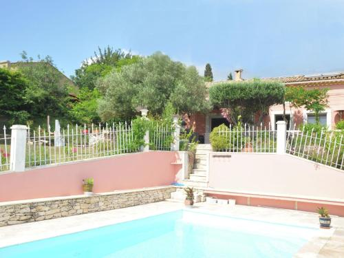 Villa Lavande 1 : Guest accommodation near Rochefort-du-Gard