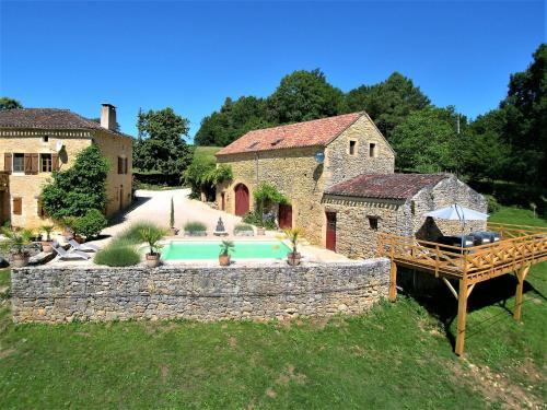 Villa Le Mas D Amour : Guest accommodation near Montcabrier